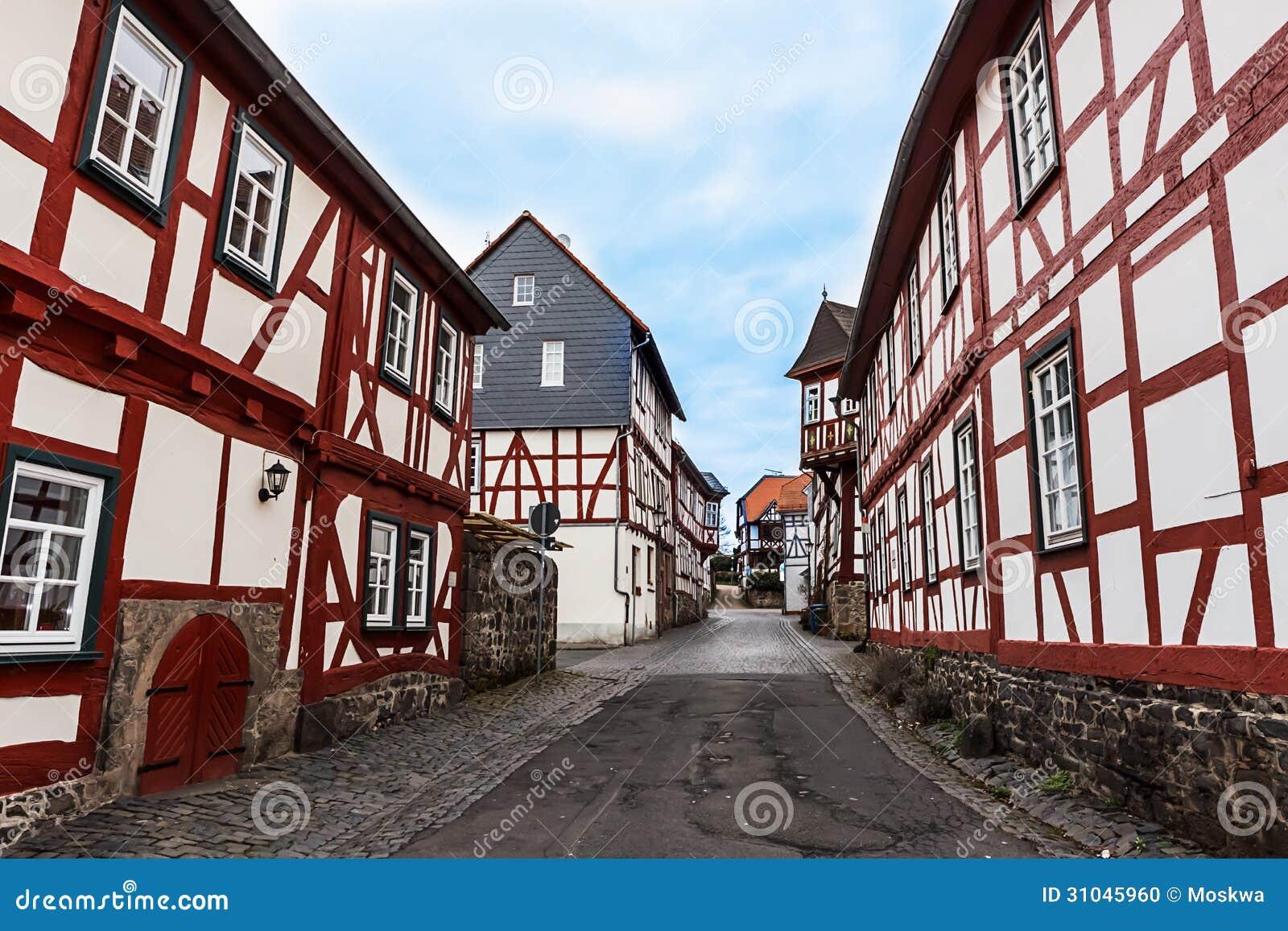Rahmenhäuser In Der Historischen Stadt Lich, Deutschland Stockfoto ...