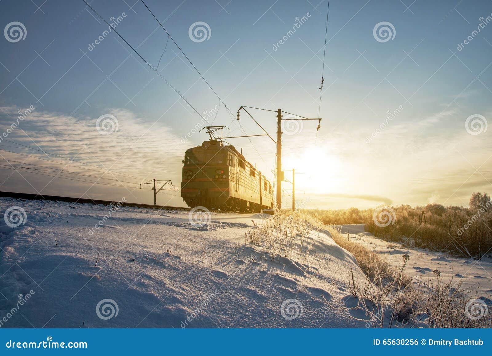 Rail courant locomotif givré