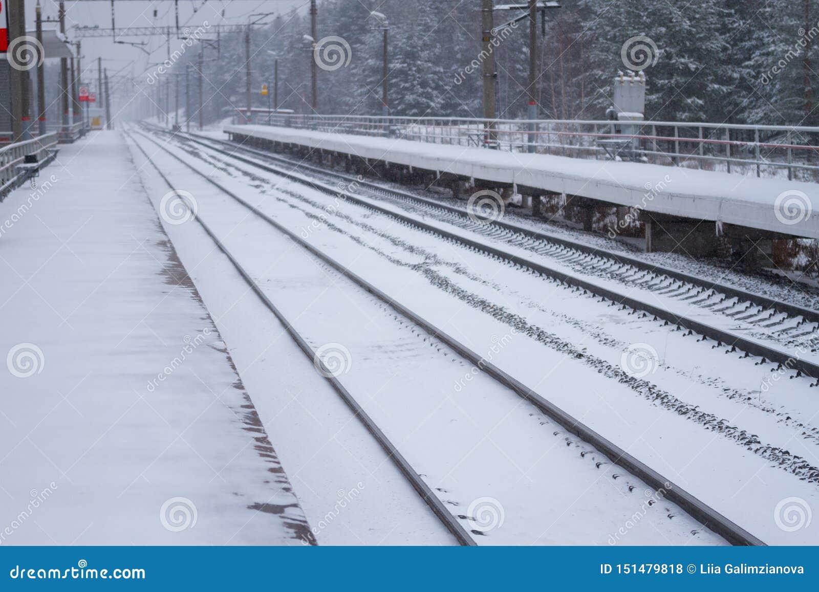 rail road winter