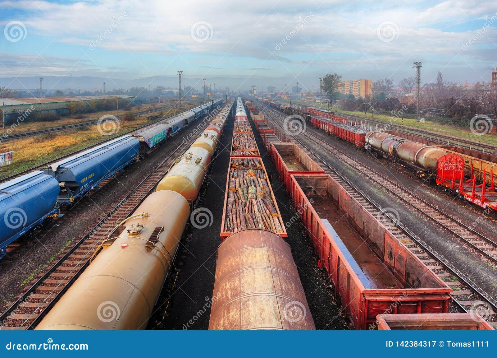 Railway station freight trains, Cargo transport