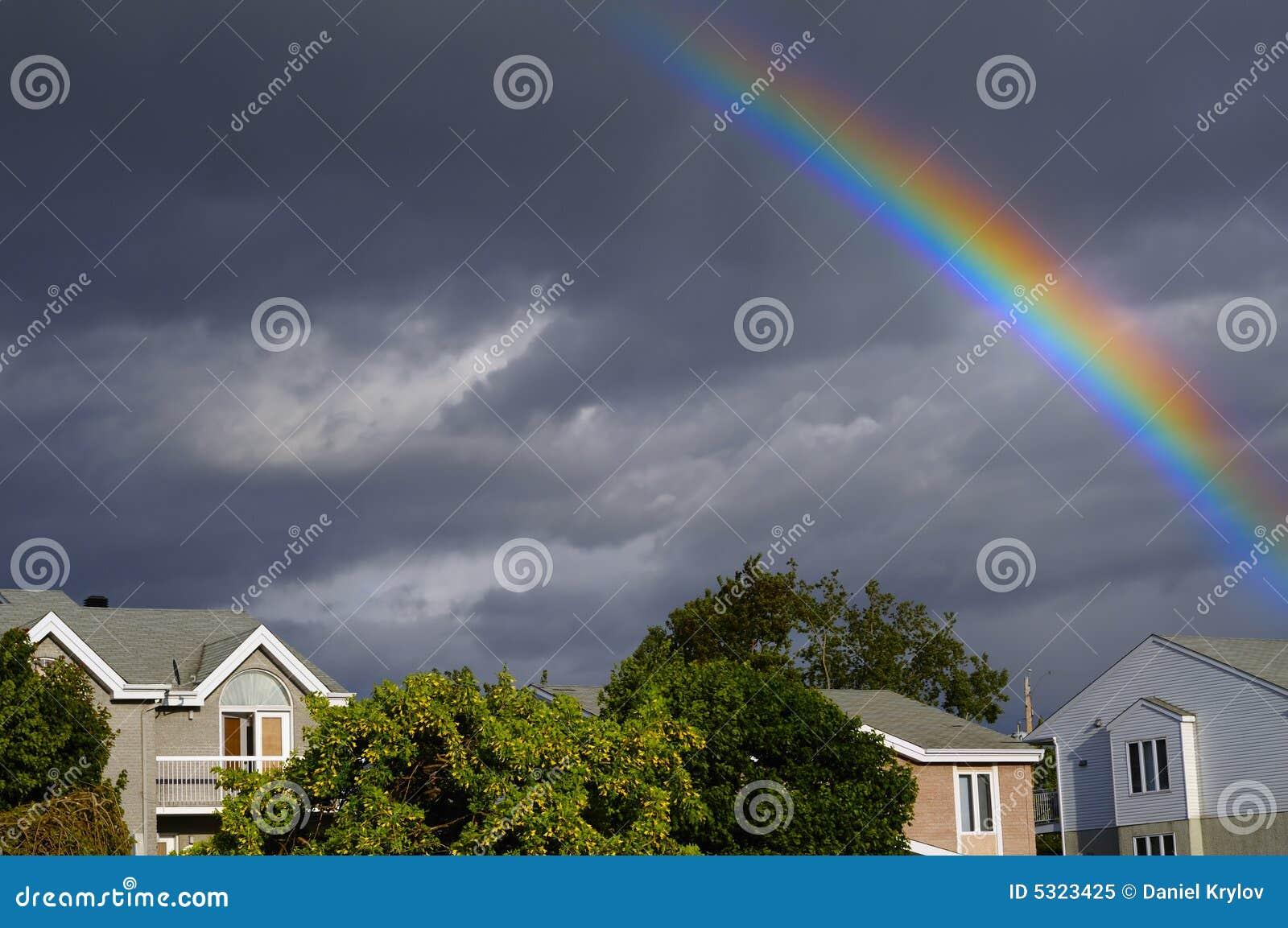 Download Rainbow immagine stock. Immagine di cielo, estate, paesaggio - 5323425