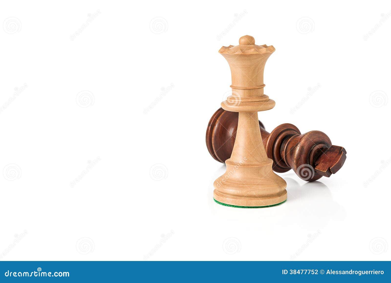 A rainha branca do Checkmate derrota o rei preto