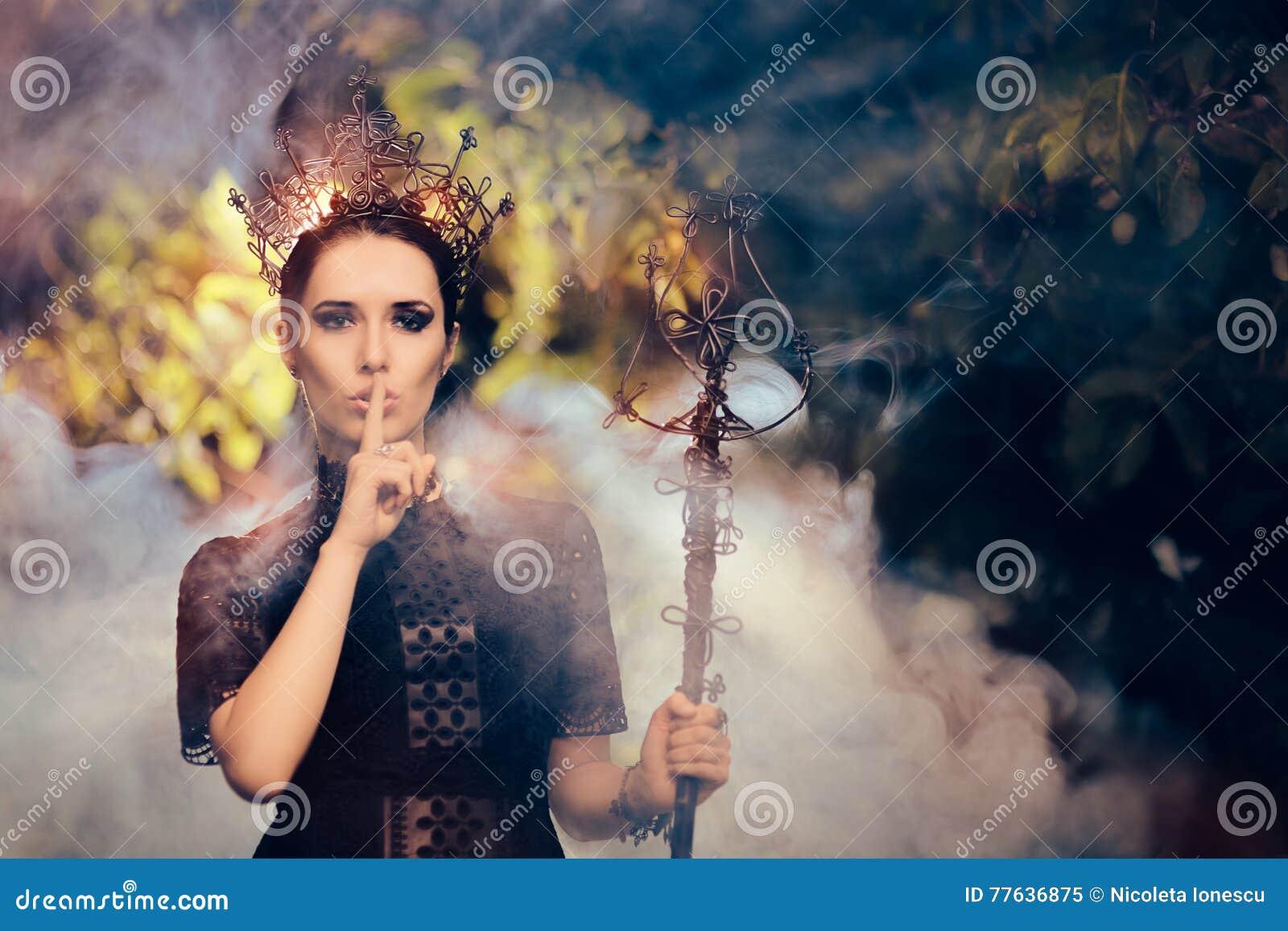 Rainha escura que guarda um segredo