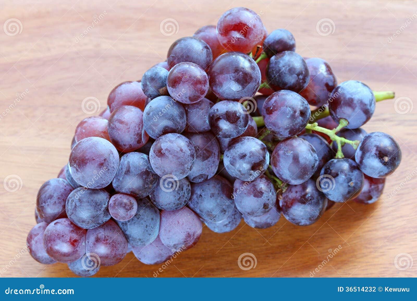 Raisins frais pour faire le vin rouge