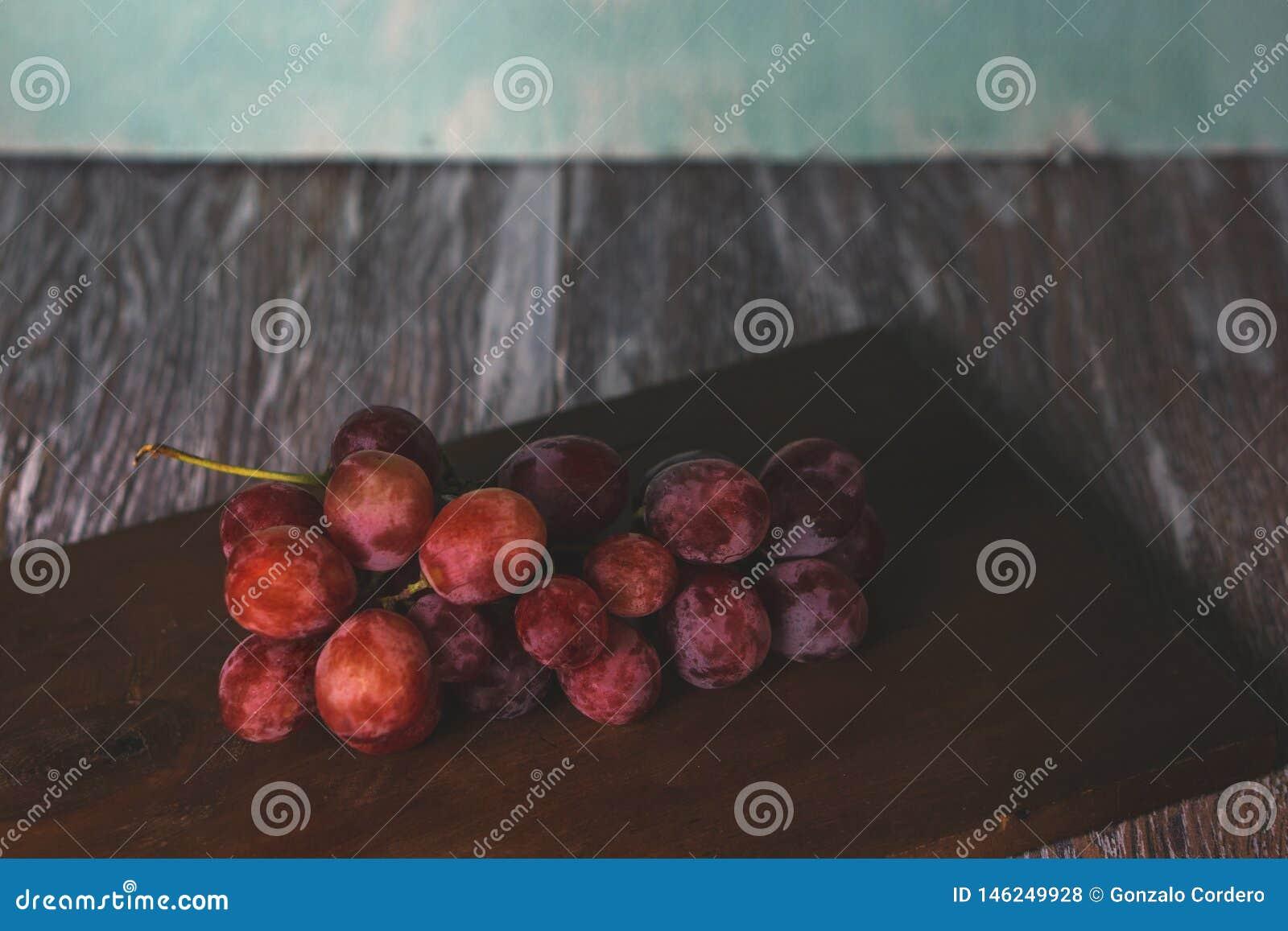 Raisins sur la table