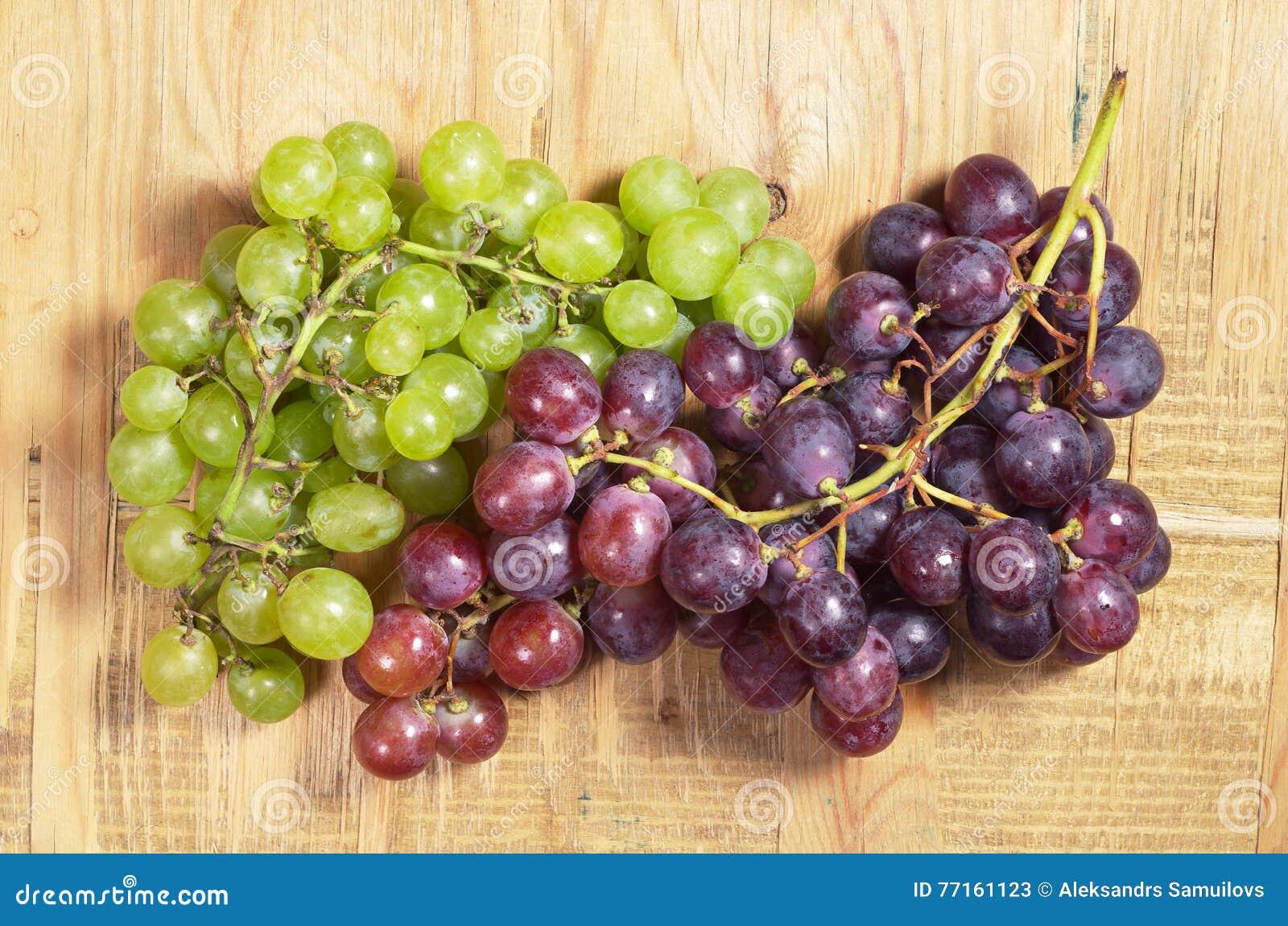 Raisins verts et rouges