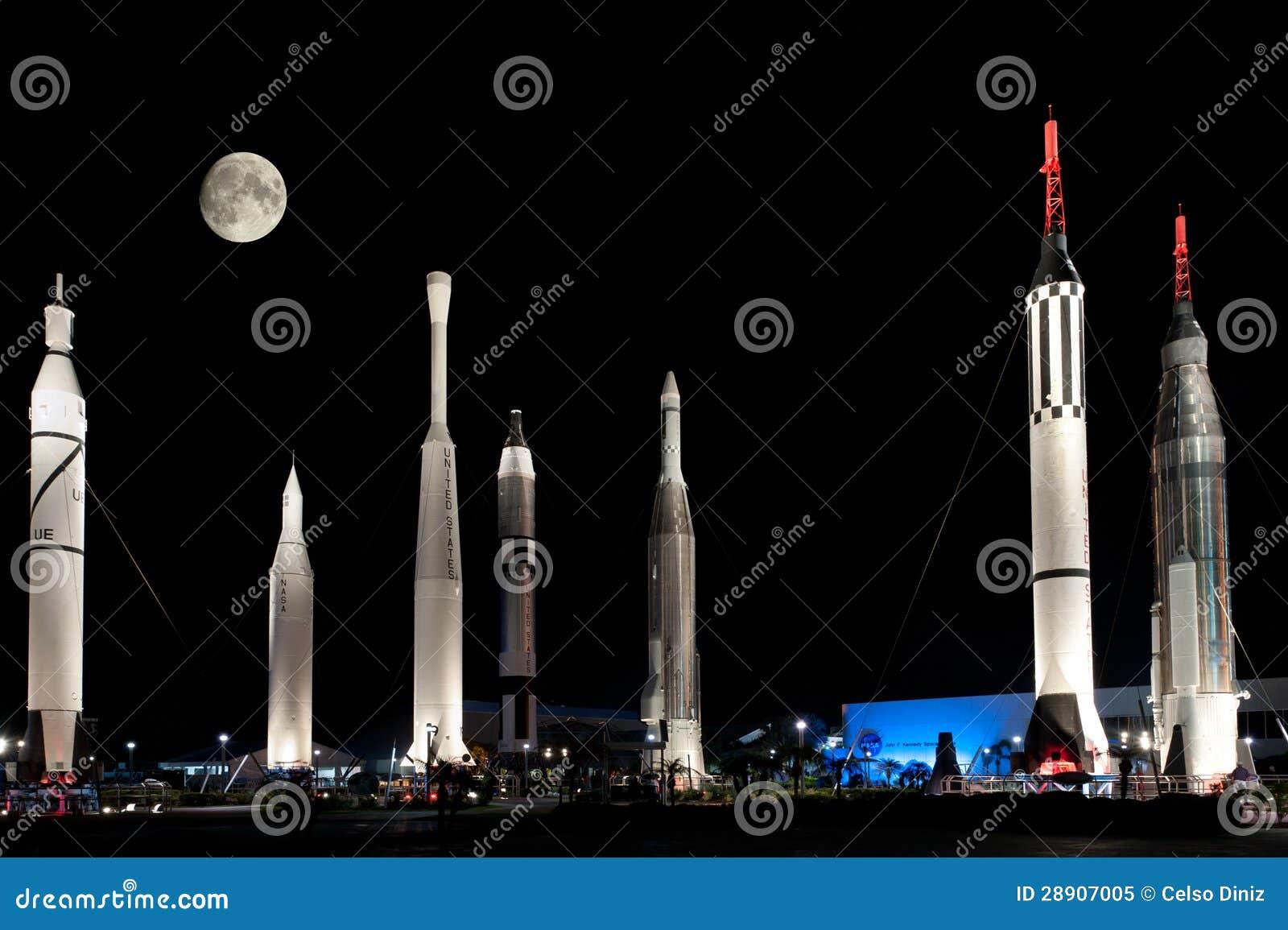 Raketten op het RuimteCentrum van NASA Kennedy