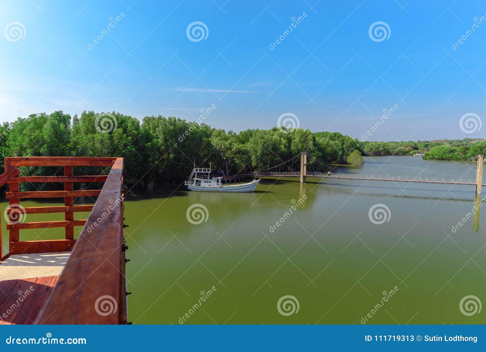 Raksamae bro