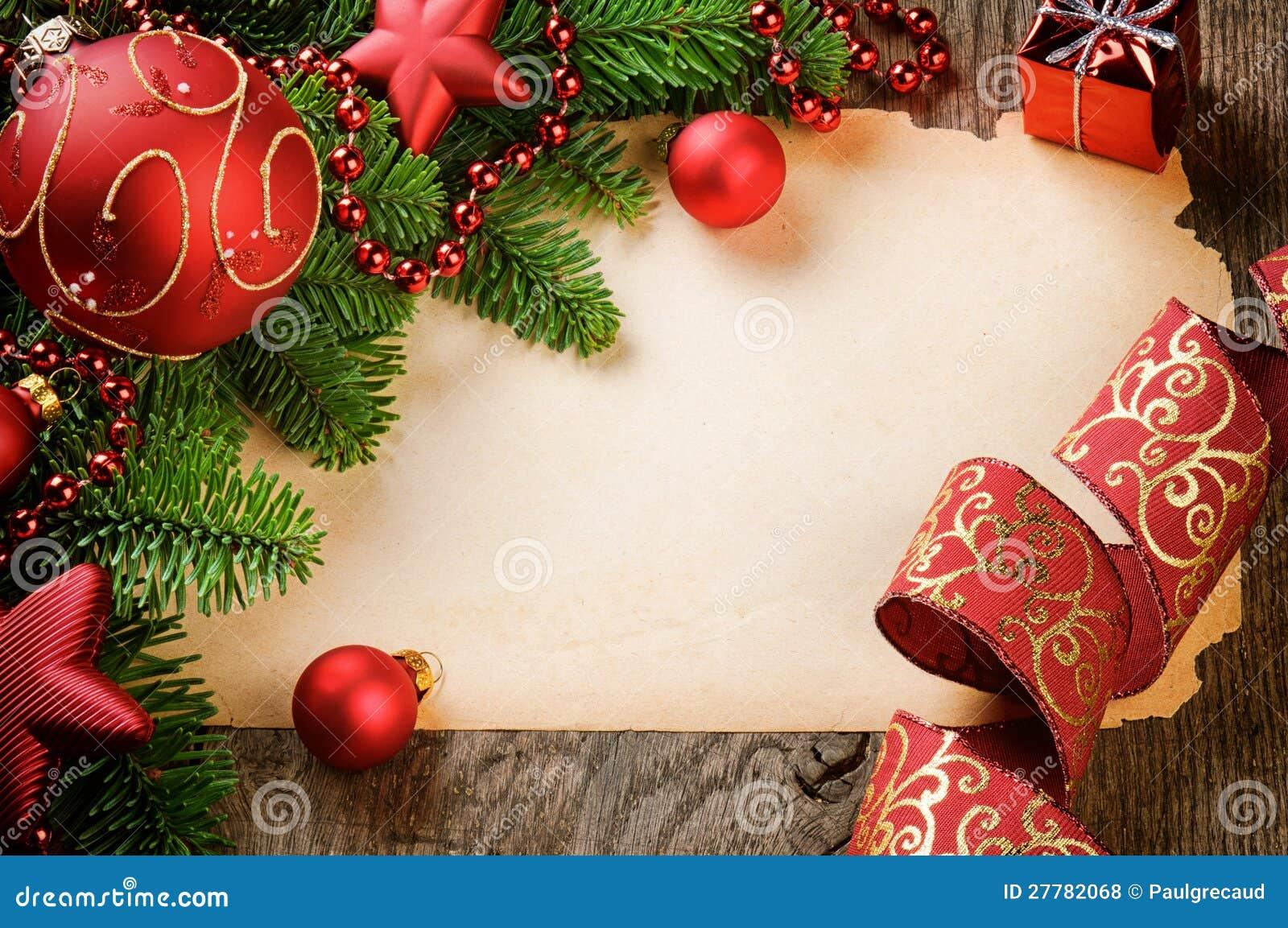 Ram med tappningpapper och julpynt