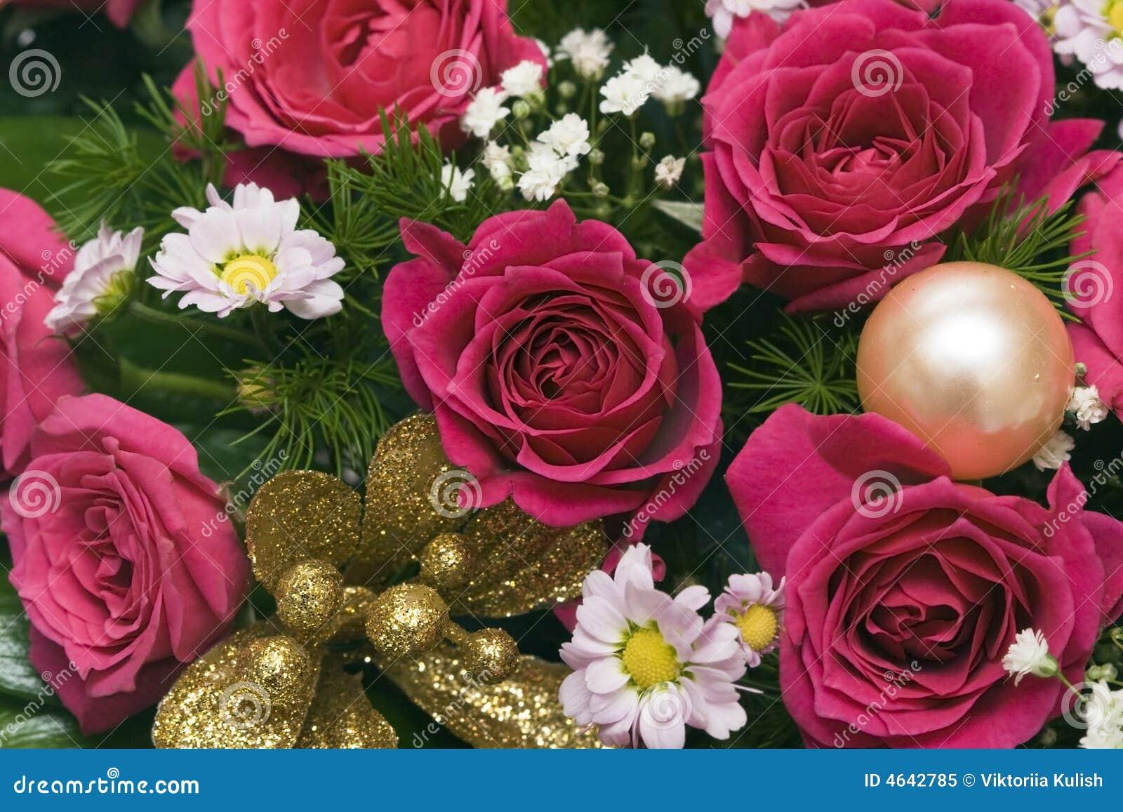 Ramalhete de muitas rosas vermelhas