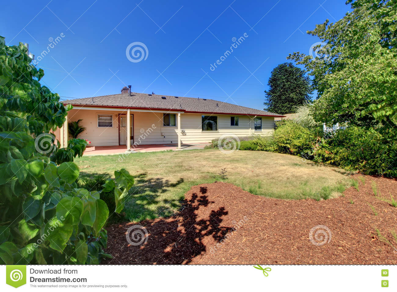Rambler exterior old simple american house stock photo for Simple american house