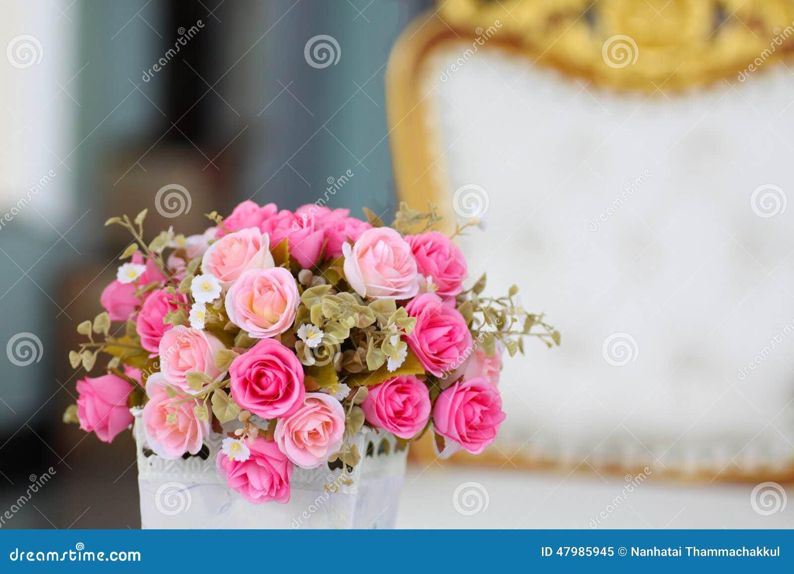 Ramo de rosas rosadas minúsculas