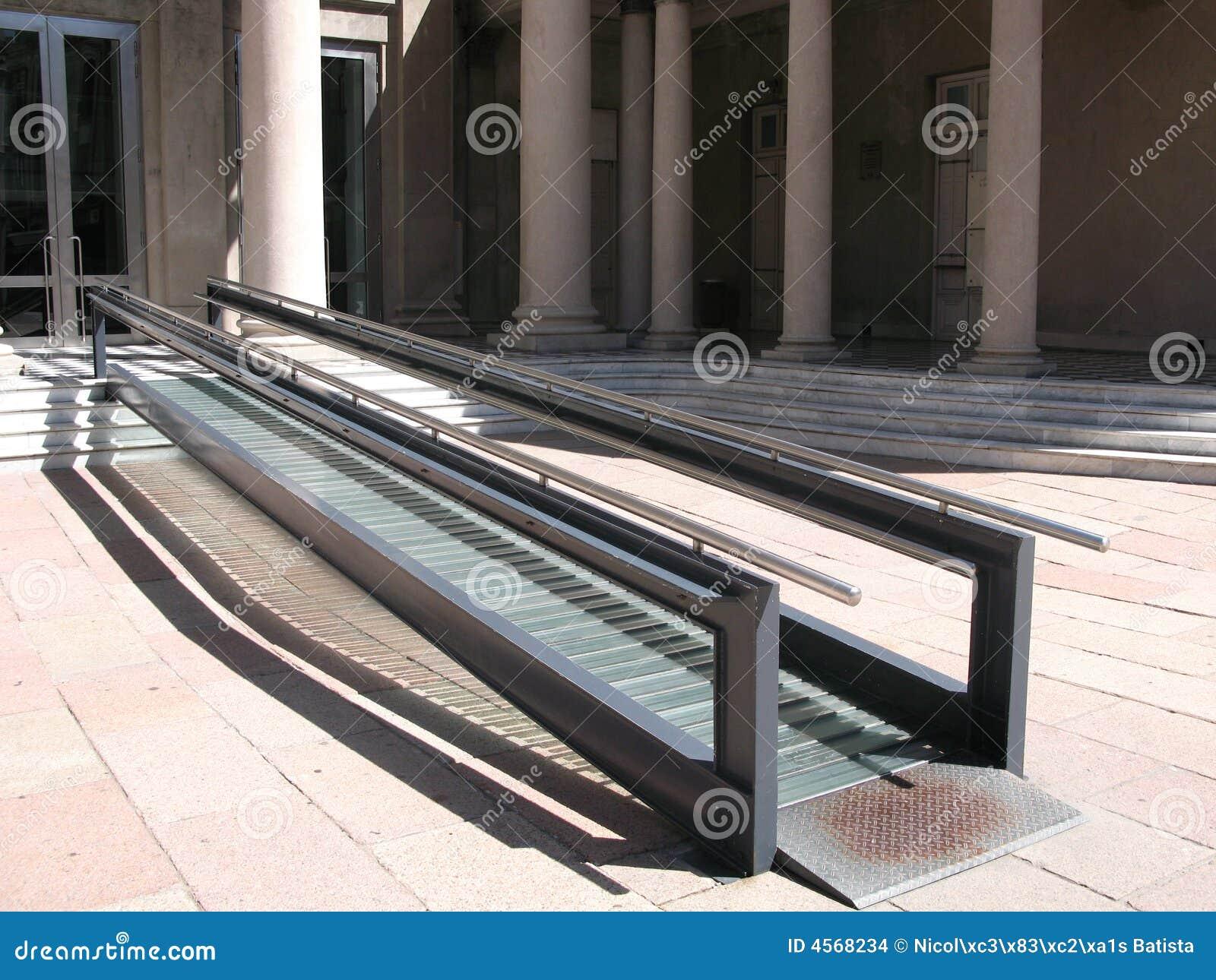 rampe moderne de fauteuil roulant images stock image 4568234. Black Bedroom Furniture Sets. Home Design Ideas