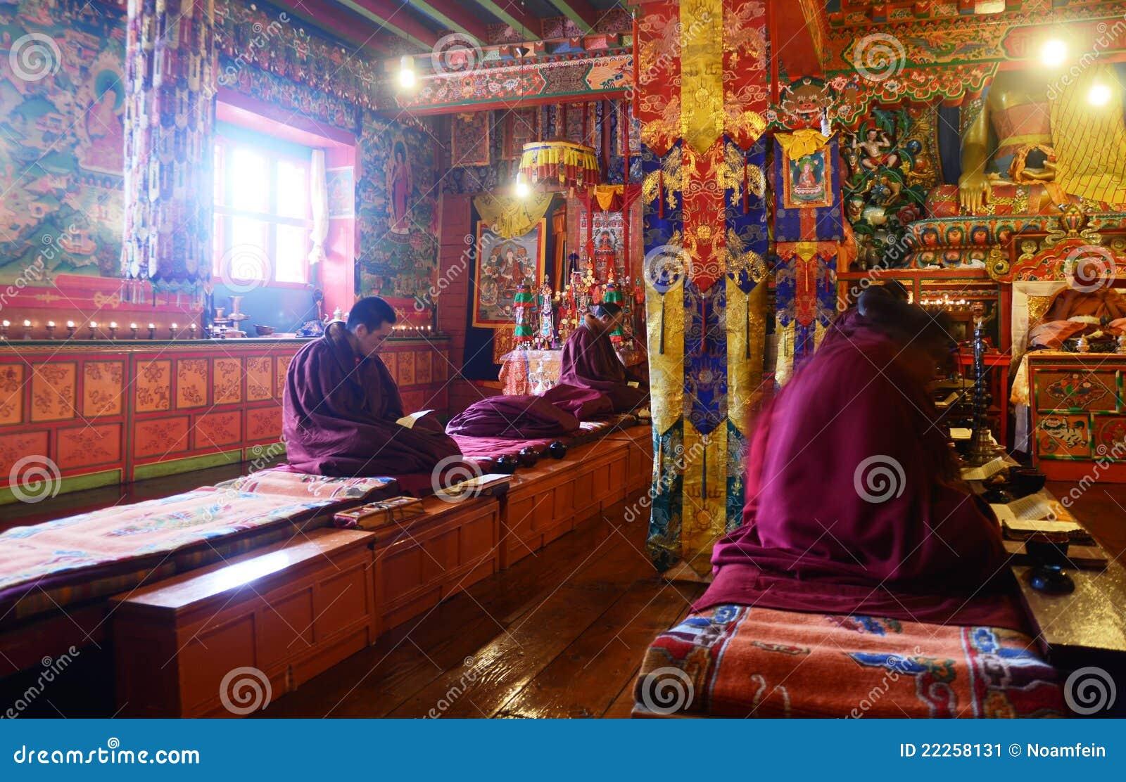 Rane pescarici buddisti di preghiera