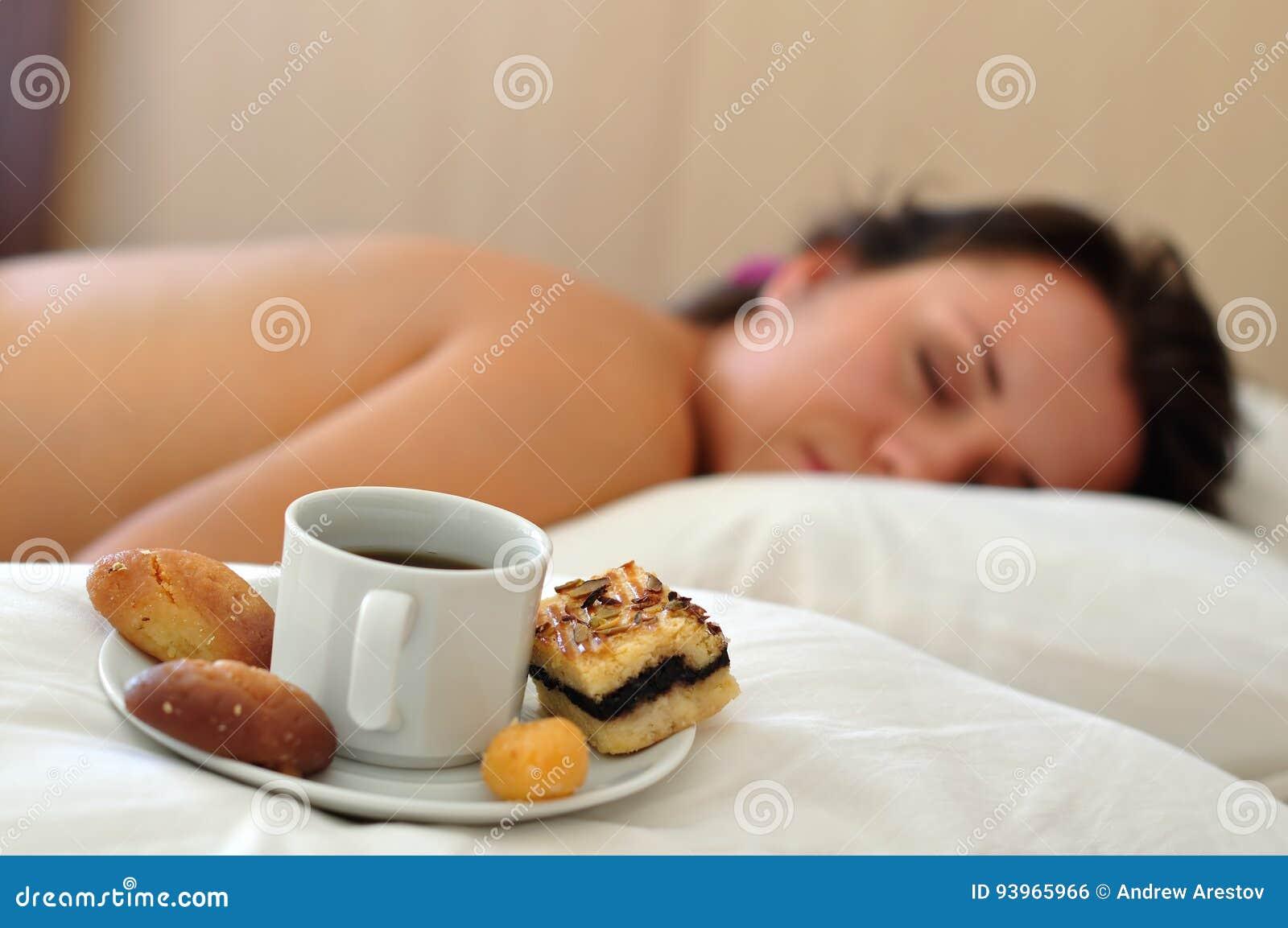Ranek Kawa W łóżku Zdjęcie Stock Obraz Złożonej Z Opieka