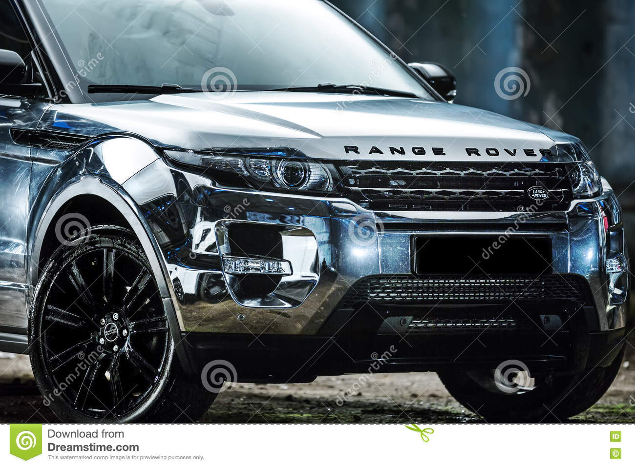 range rover evoque tuning editorial image image of bumper. Black Bedroom Furniture Sets. Home Design Ideas