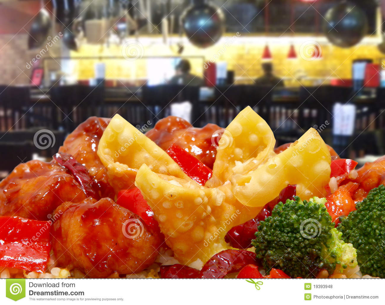 Download Rangoon And General Tso Chicken In Restaurant Stock Photo - Image of carrot, broccoli: 19393948