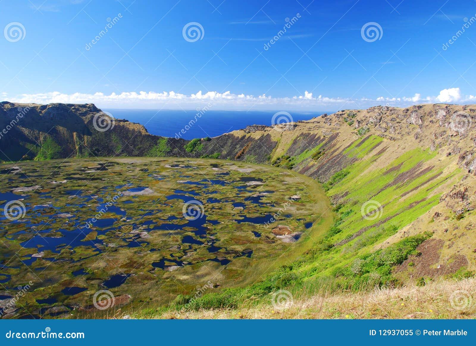 Rano kau crater lake - easter island (rapa nui)