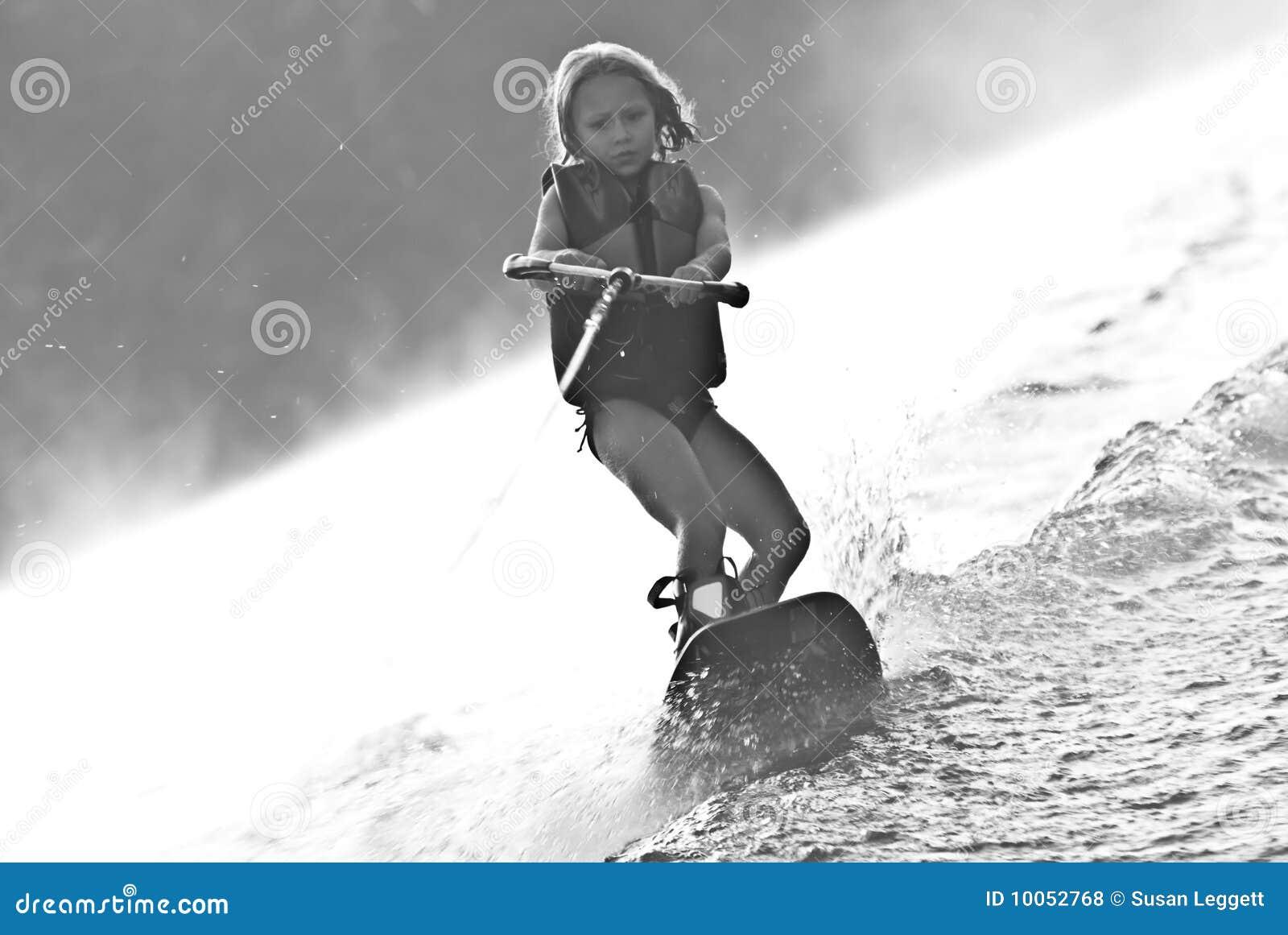 Rapariga em Wakeboard