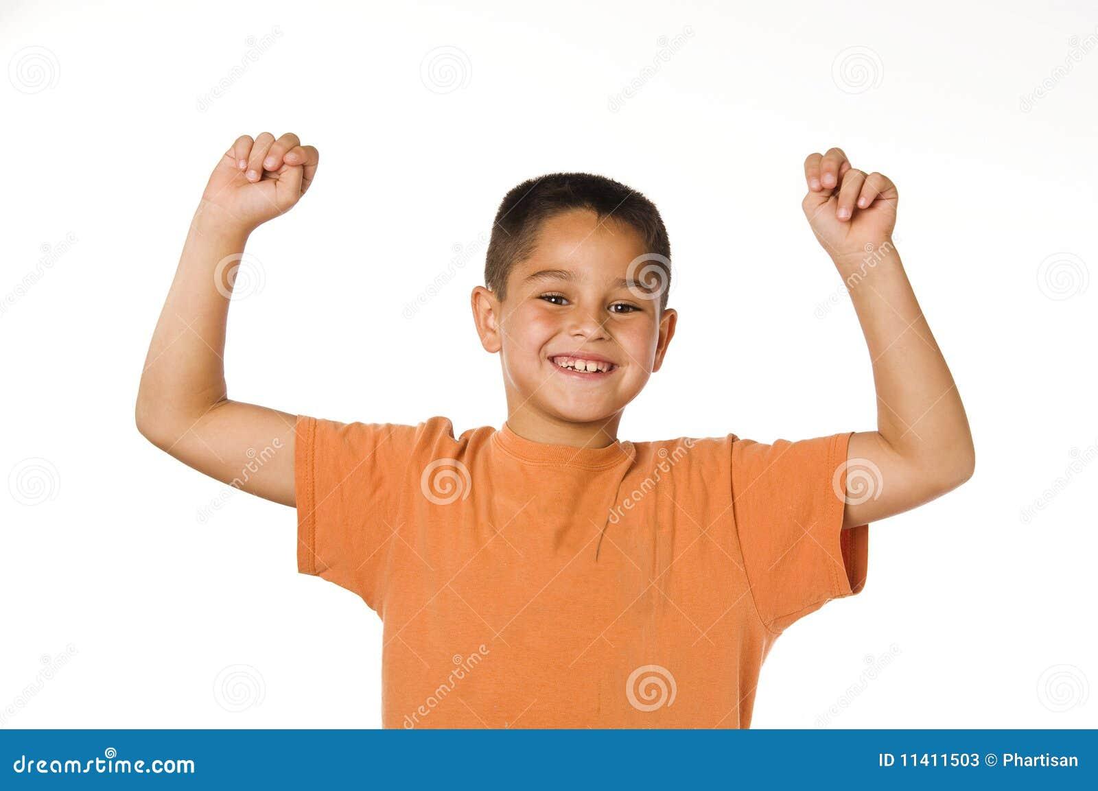 Rapaz pequeno feliz
