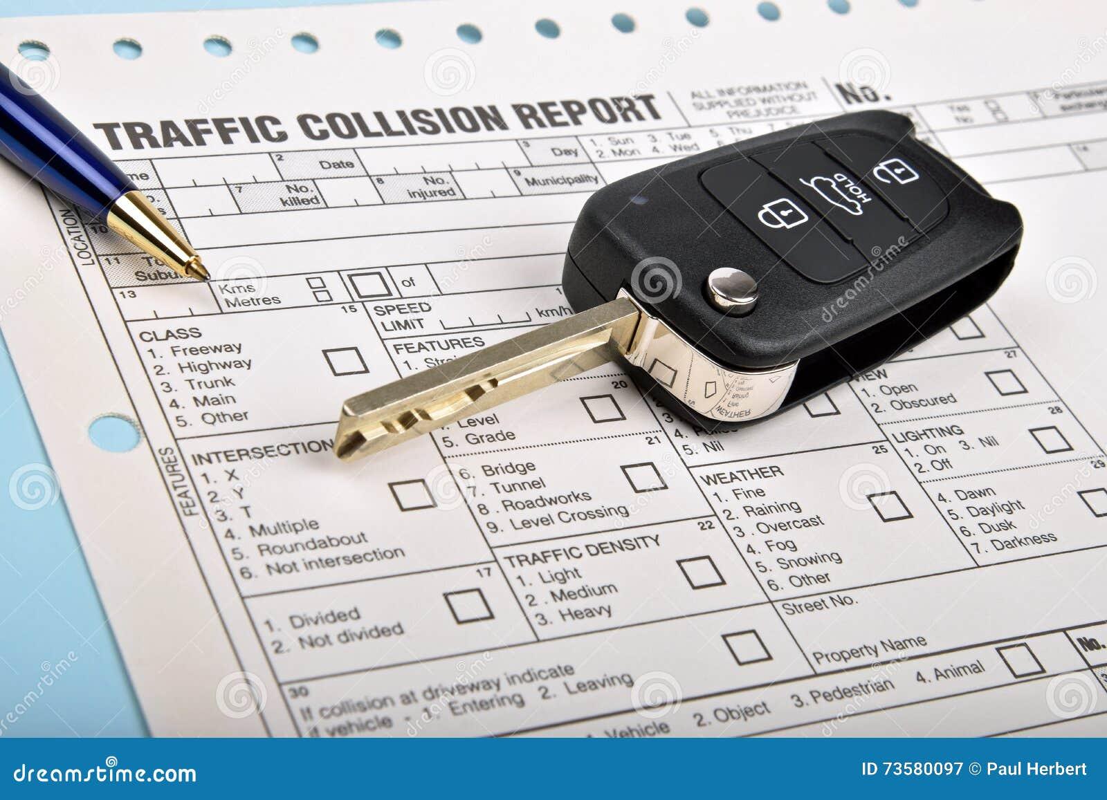 Rapport D'accident Et Clé De Voiture Image stock - Image du