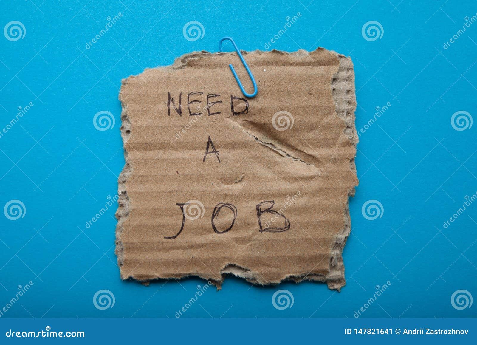 Rapport på att finna ett jobb på ett stycke av kartongen