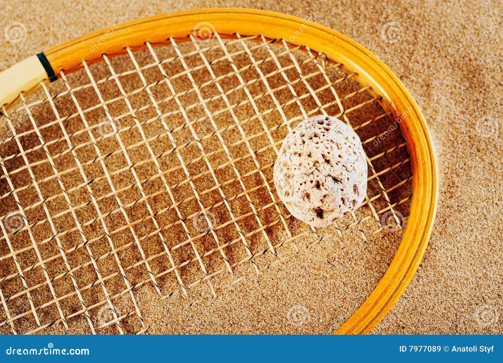 Raquete de tênis velha