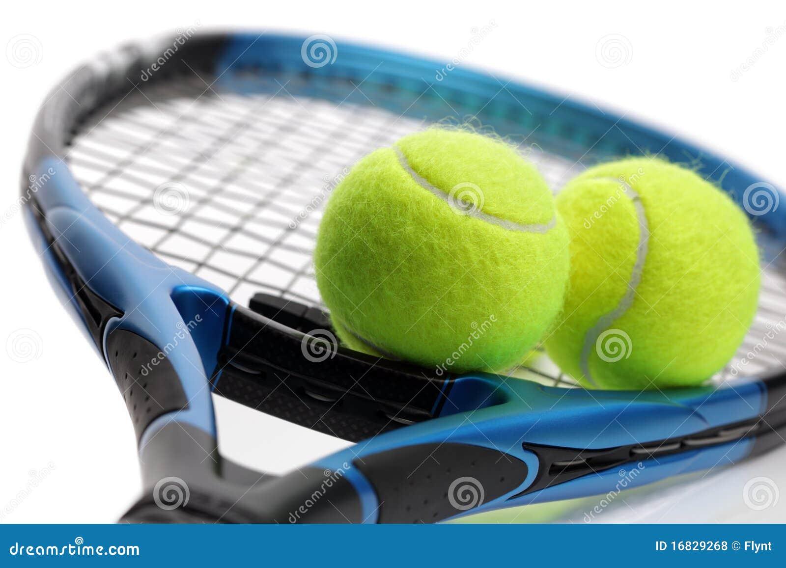 Raquete e esferas de tênis