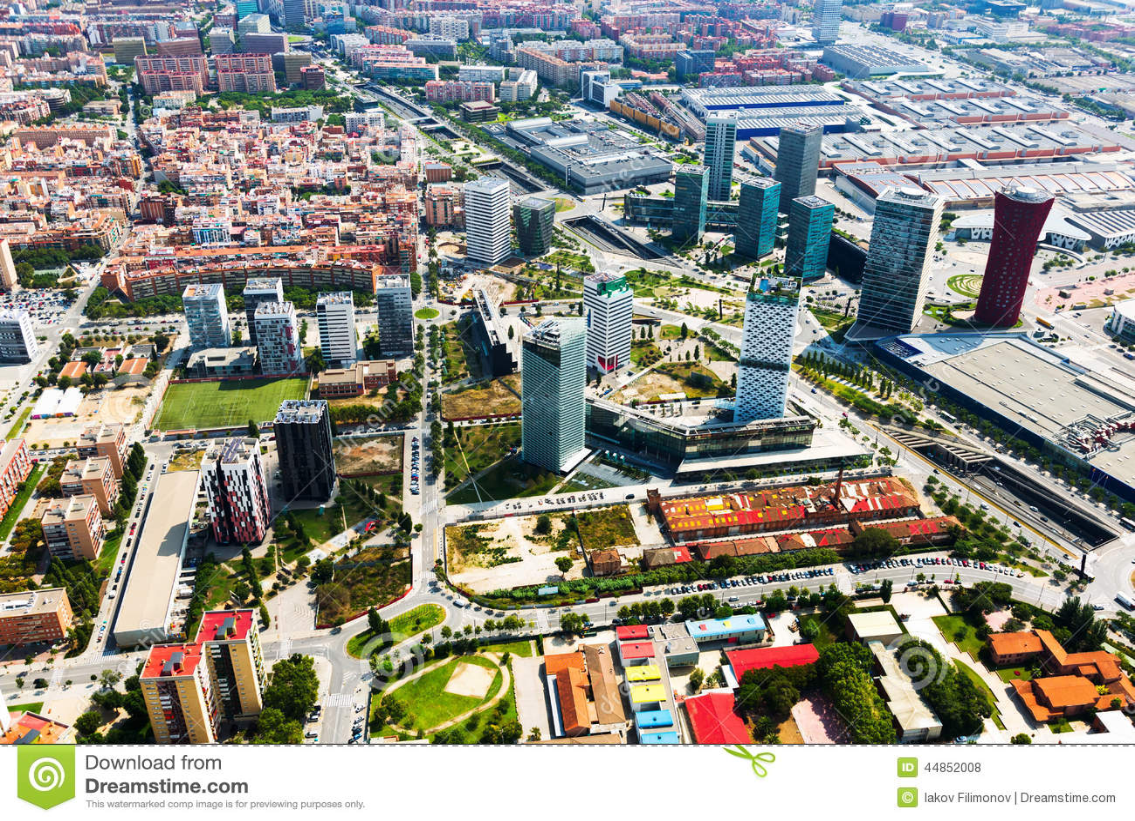 Rascacielos en el distrito de Sants-Montjuic Barcelona