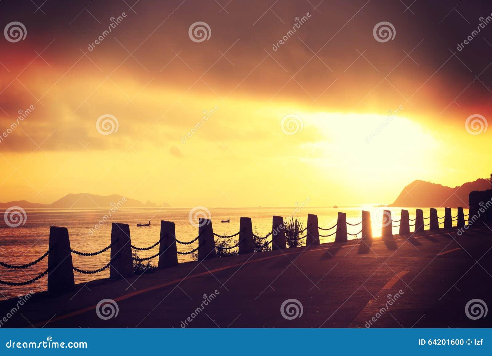 Rastro de la playa en la sol