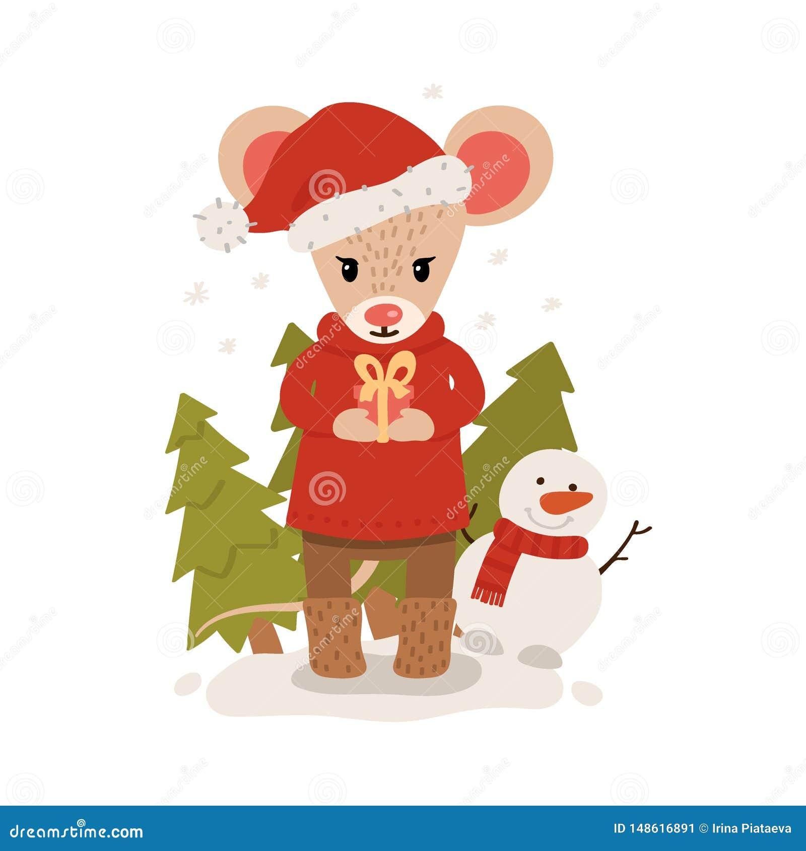Rat?n con la caja de regalo entre los ?rboles de navidad Car?cter de la Navidad y del A?o Nuevo aislado en un fondo blanco postal