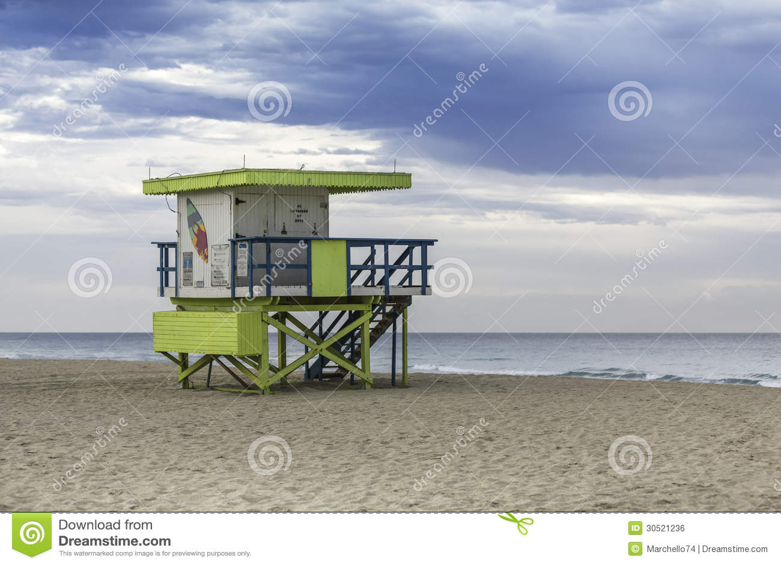 Ratownika wierza w południe plaży, Miami