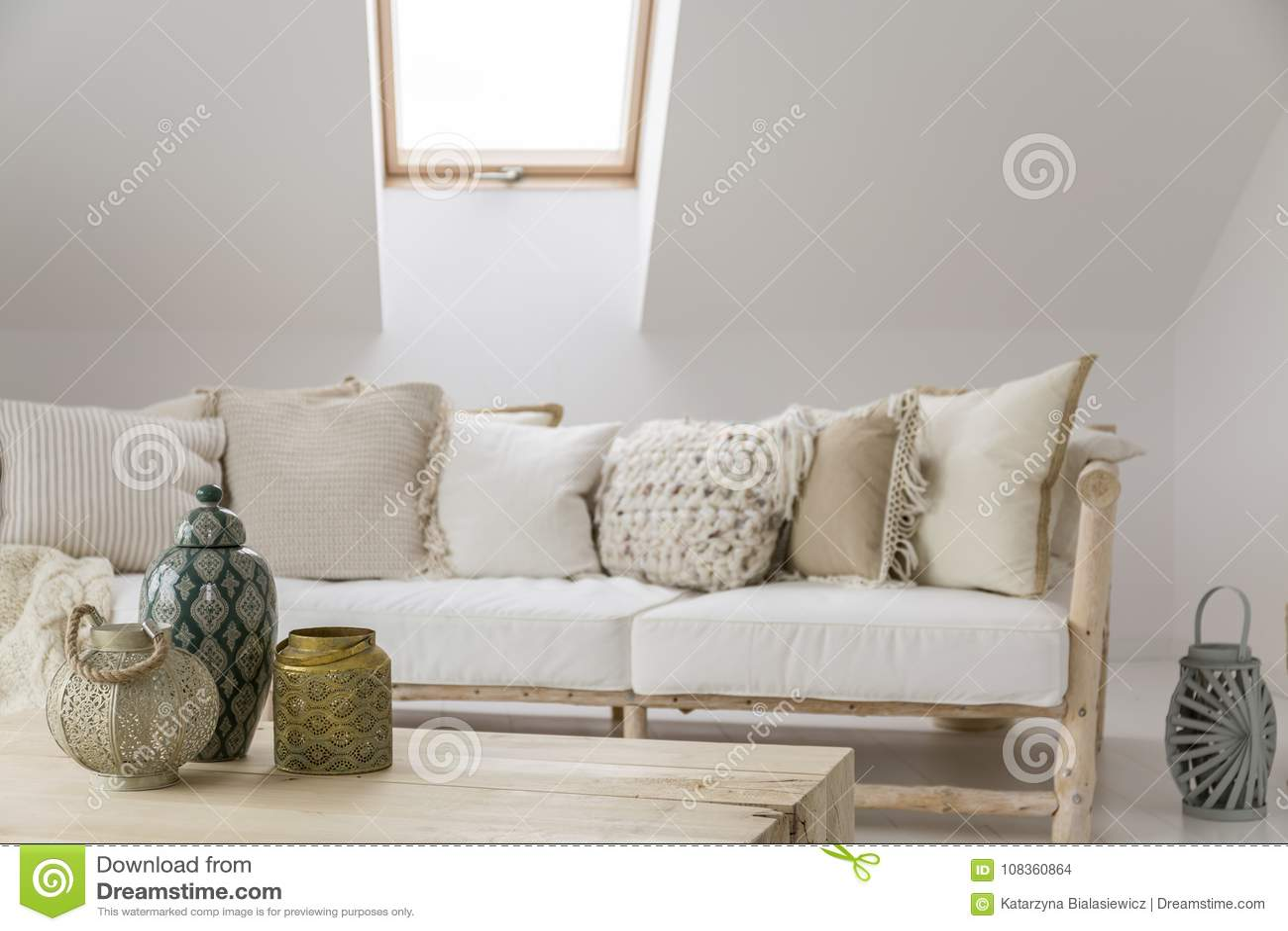 Raum mit dekorativem Zubehör