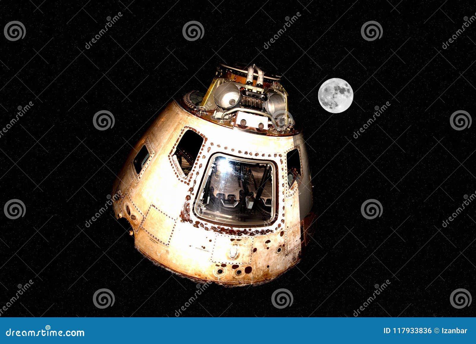 Raumschiff Apollo Style auf Mond und Sternen