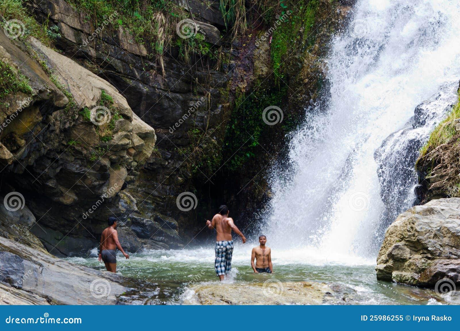 Ravana Falls The Widest Waterfalls In Sri Lanka