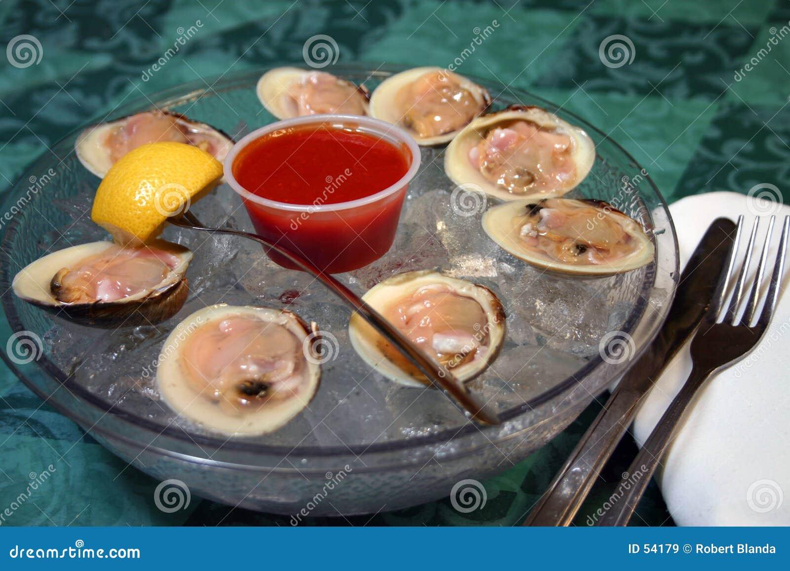 Raw clams dish