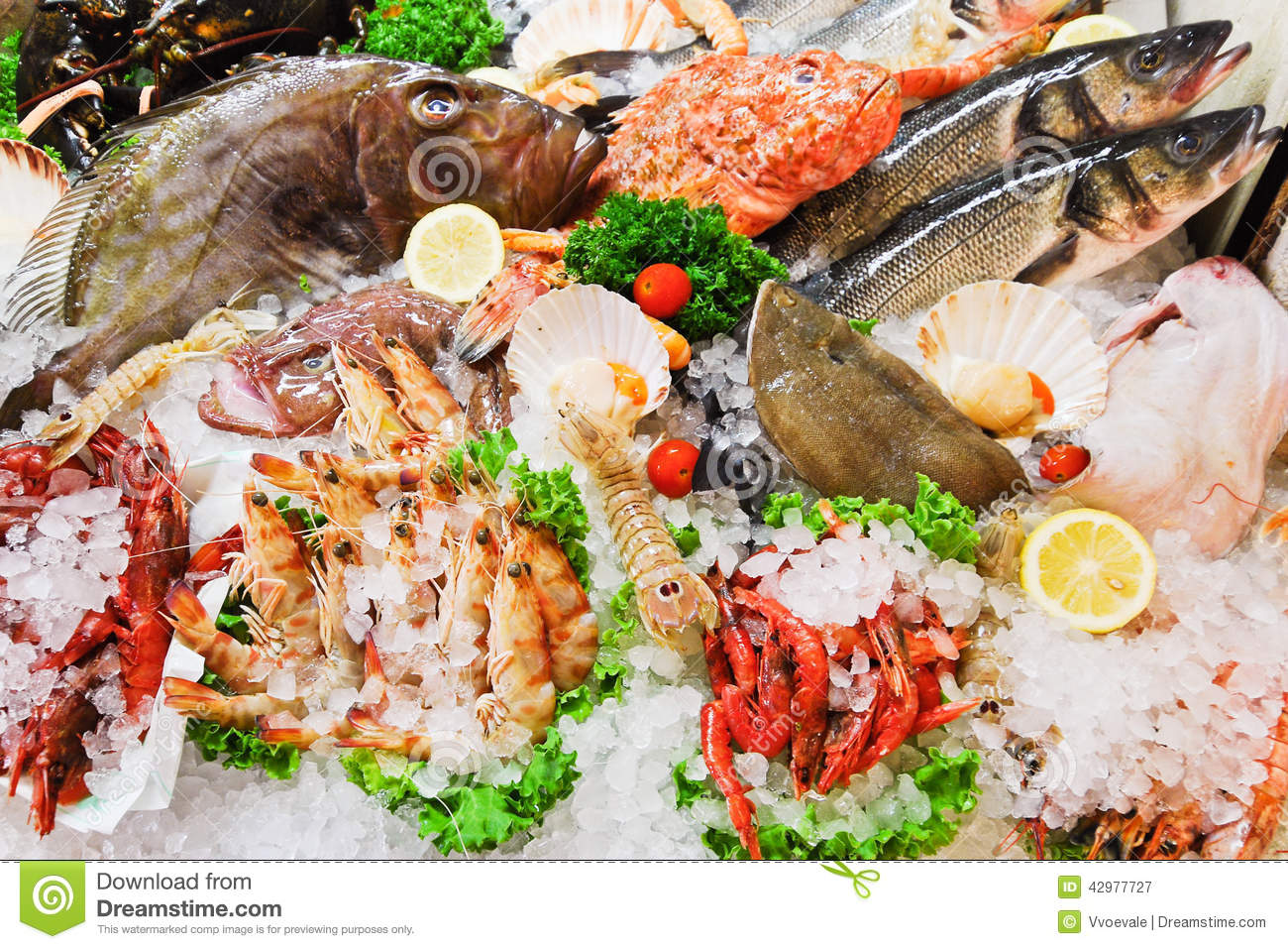Raw fish and seafood in ice