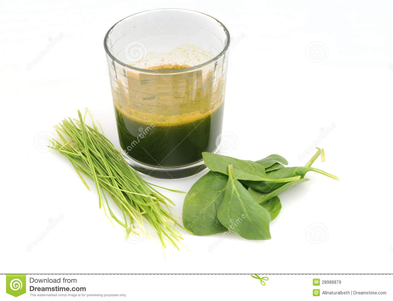Raw Green spinach and wheat grass juice