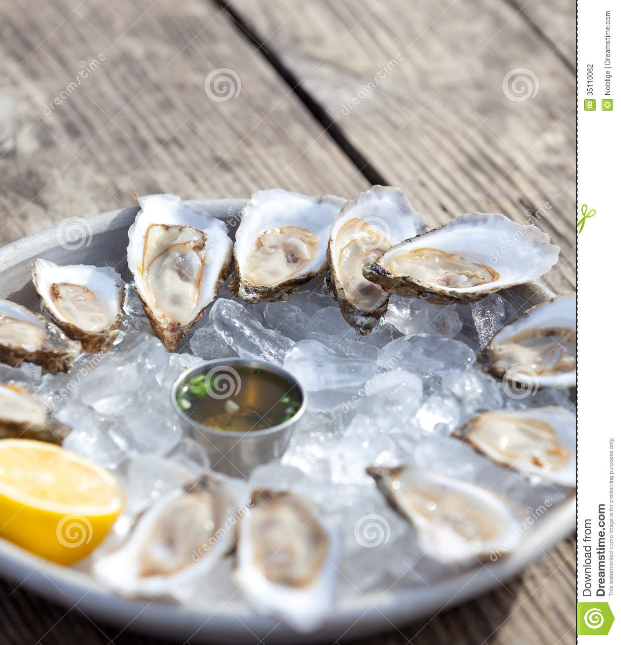 Fresh raw oysters - photo#28