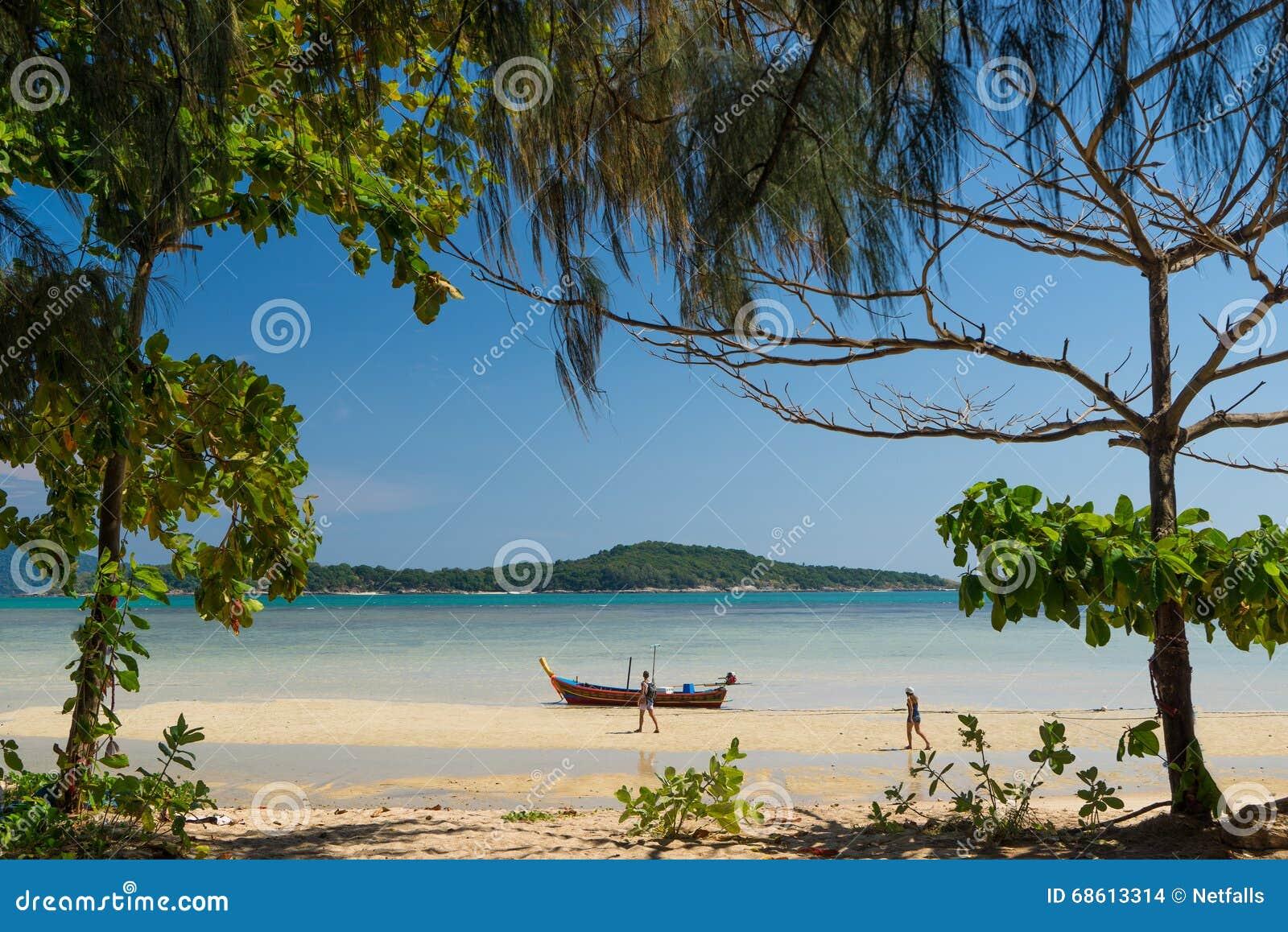 Rawai异乎寻常的海湾在普吉岛海岛