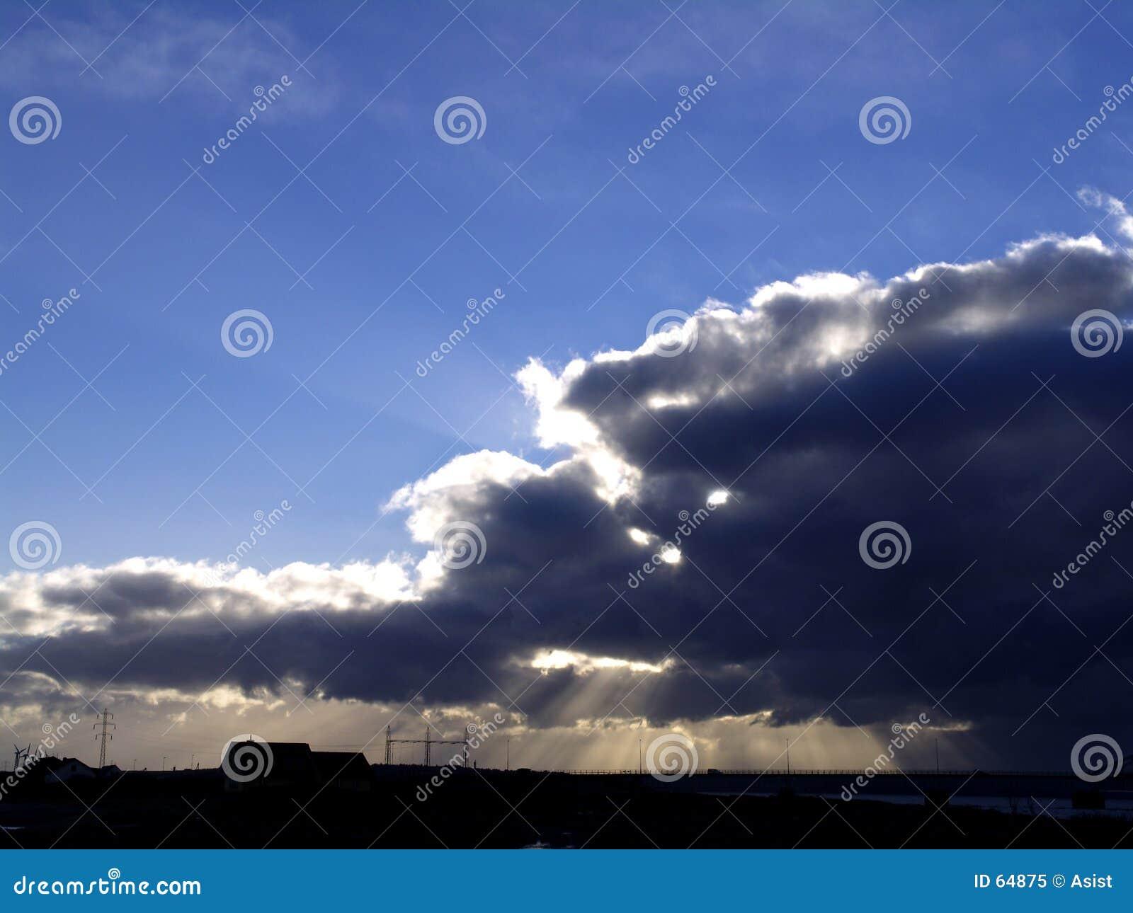 Download Rayon de soleil image stock. Image du storm, ciel, cieux - 64875