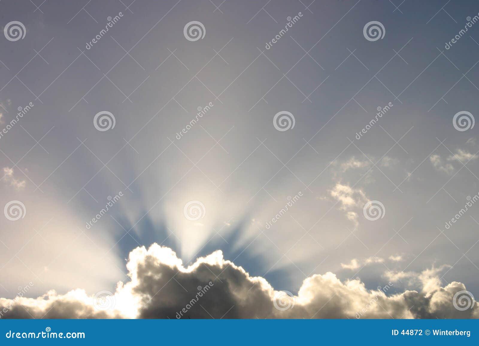 Download Rayos de sol foto de archivo. Imagen de cielo, viga, azul - 44872