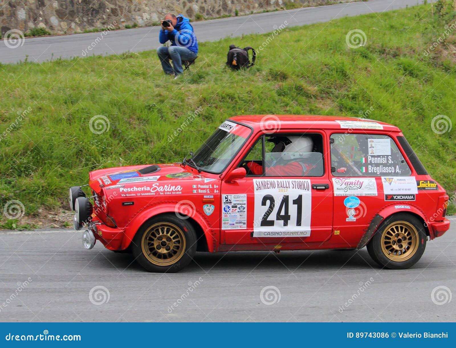 Raza de Autobianchi A112 Abarth durante la 64.a reunión de Sanremo
