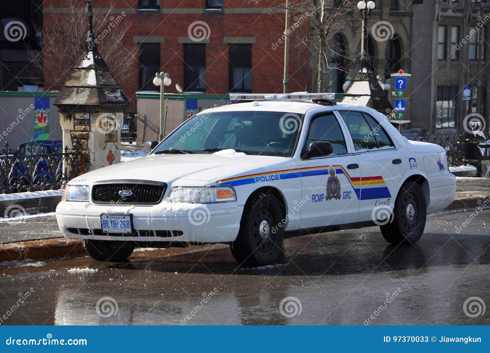 RCMP福特冠维多利亚警车在渥太华,加拿大