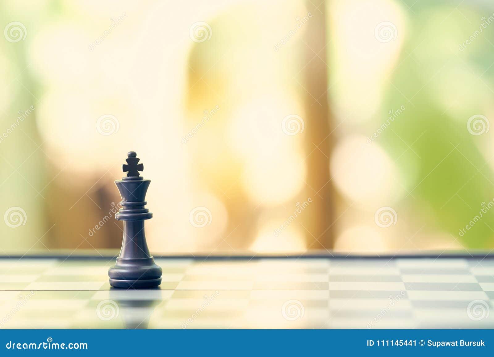 Re Chess è disposto su una scacchiera usando come il concetto di affari del fondo e concetto di strategia con lo spazio della cop