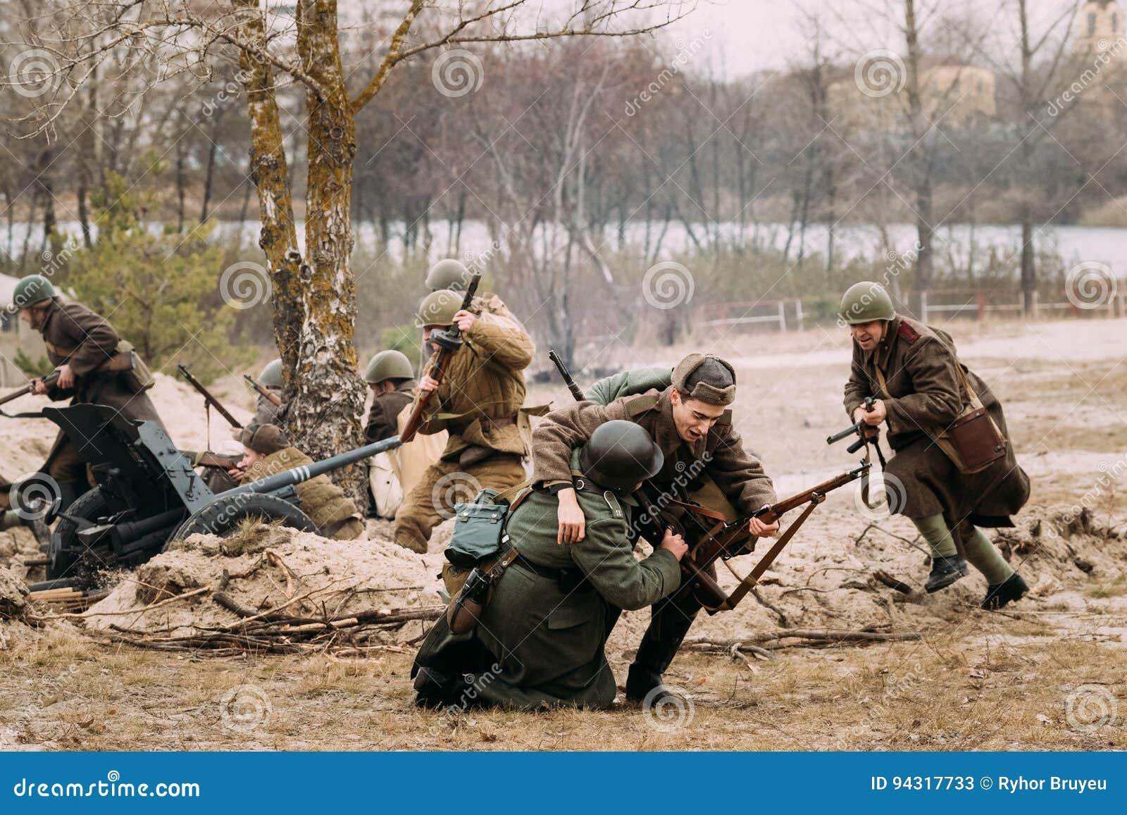 WW2 German Wehrmacht Infantry Battle Scene  Picture