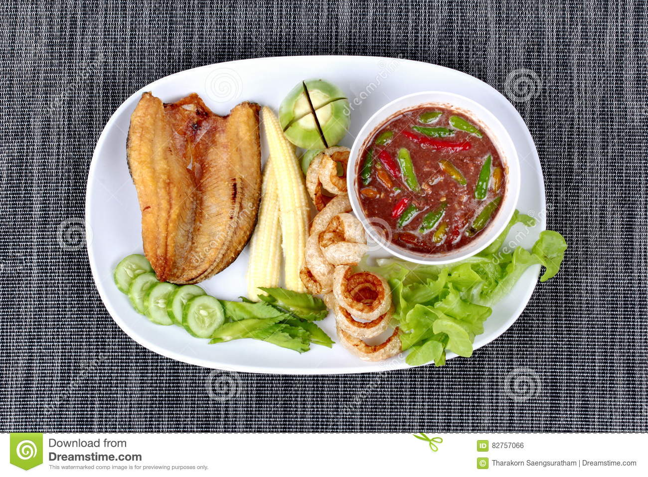 Ready served spicy shrimp paste dip as nam prik kapi for Pork rind fishing