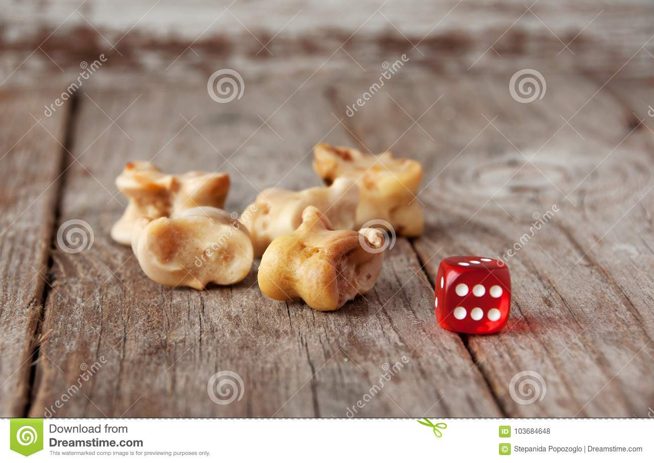 real dice knuckle bones and gaming pieces ancient game with la