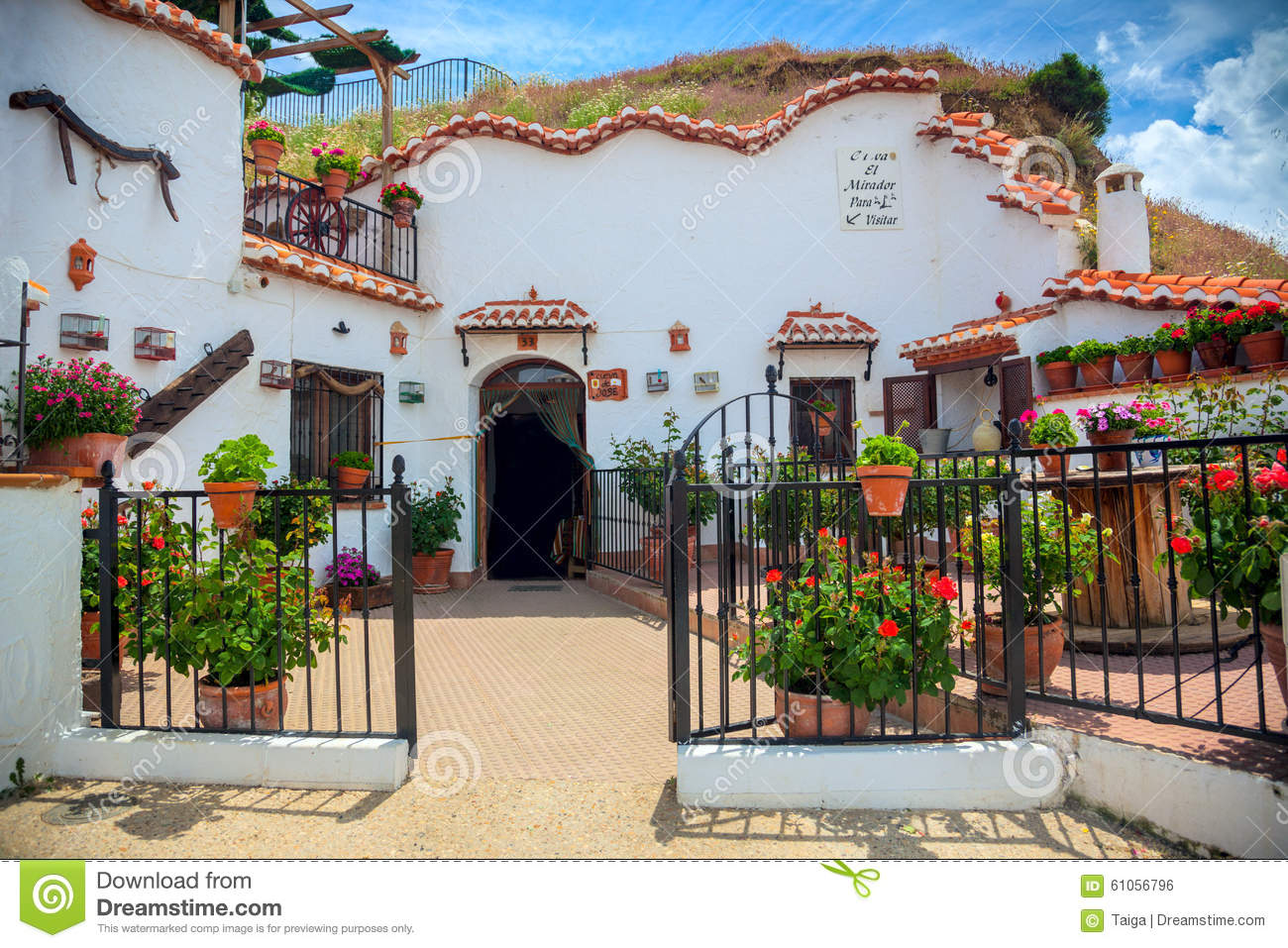 Real Famous Traditional House In Cave Guadix Spain