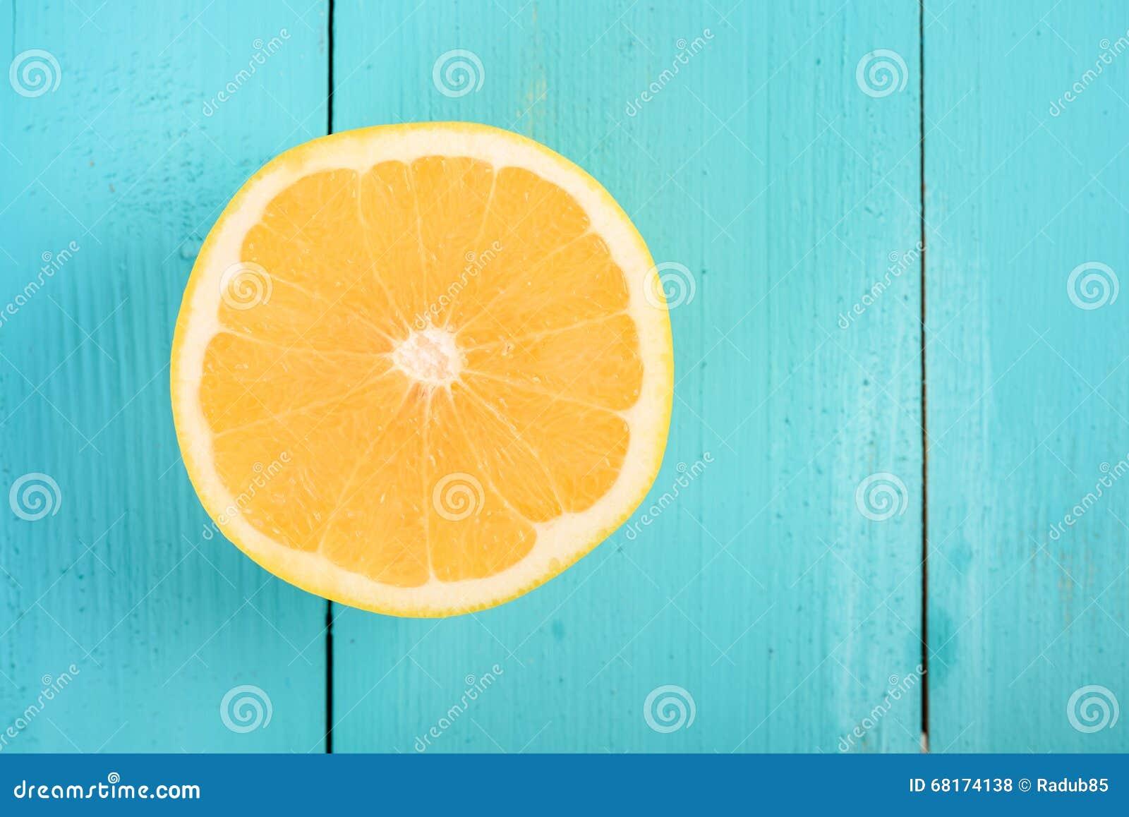 Rebanada amarilla del pomelo
